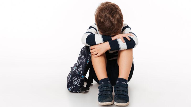 Как общаться с ребенком, пережившим трагедию